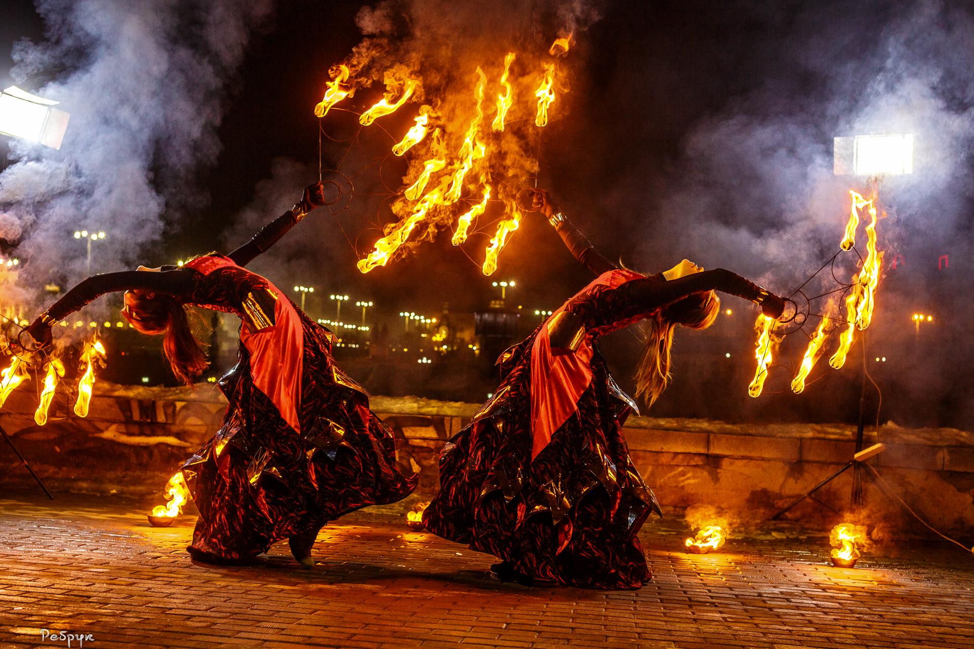 Огненное фаер шоу в Екатерибурге