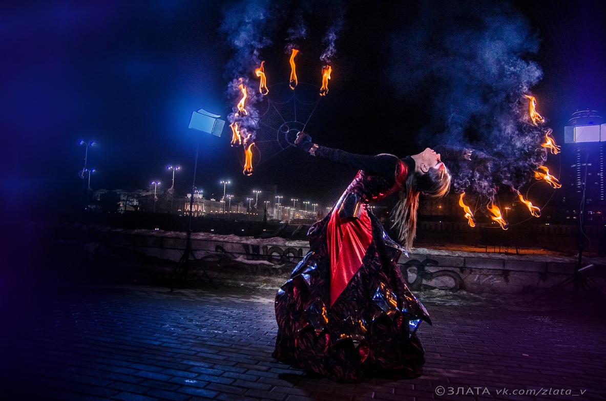 Огненные артисты на свадьбе