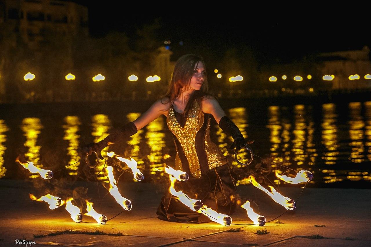 Огненное фаер шоу в Екатеринбурге