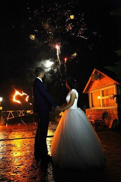 Салют с сердцами на свадьбу