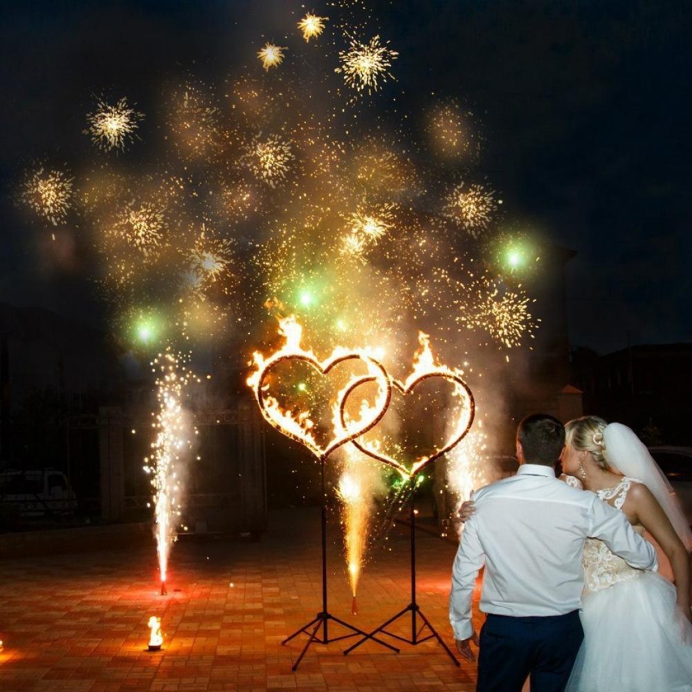 Два огненных сердца на свадьбу